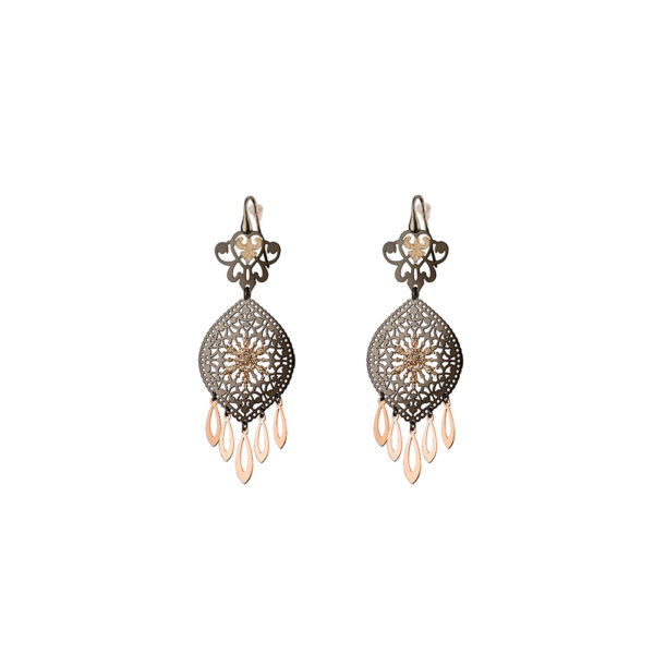 03L15-00582 Loisir Arabesque Earrings