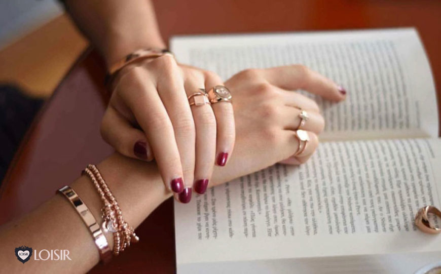 Discover secrets of your character by simply wearing your rings!